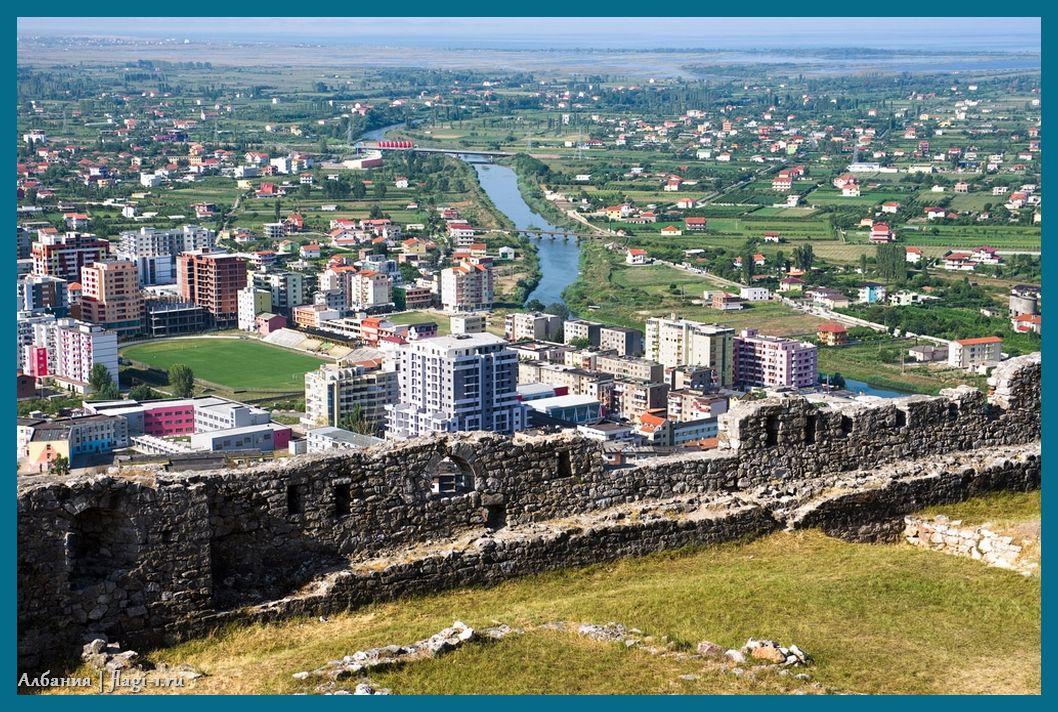 Albaniya. Fotografii 021 - Флаги стран - Албания. Код ISO — AL